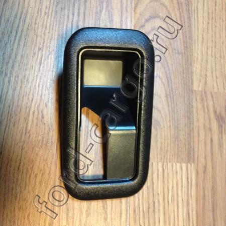 7C46 E22620 ABYNB1   Крышка Ручки Двери Внутренней Правая   T184793